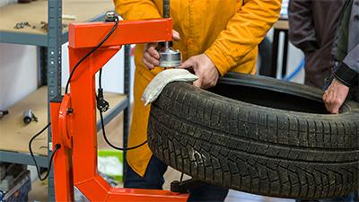 Prawidłowy montaż gumy w prasie wulkanizacyjnej